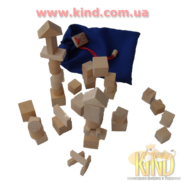 Деревянные игрушки в детскую комнату