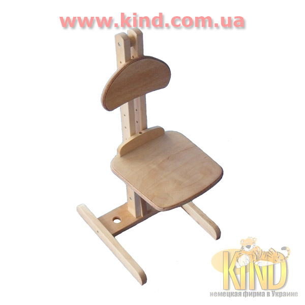 Регулируемый стул из дерева