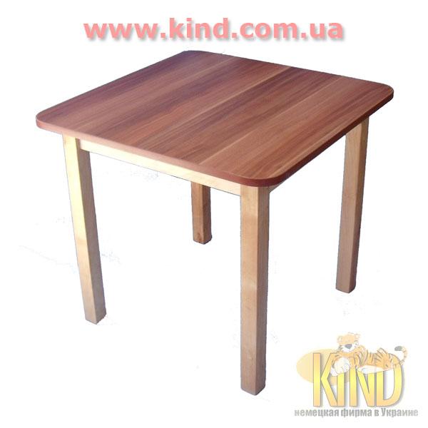 Детский столик из дерева