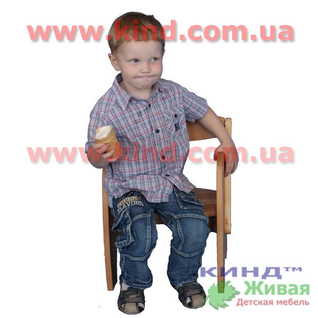 Деревянная мебель в детскую комнату стул
