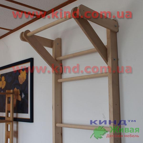 Деревянная шведская стенка из дерева
