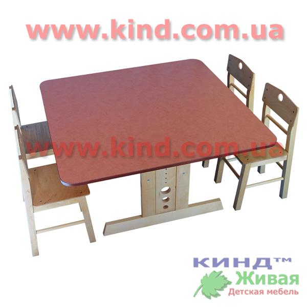 Регулируемый стол для детской комнаты