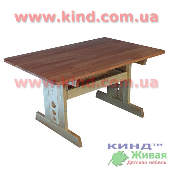 Деревянная детская комната стол