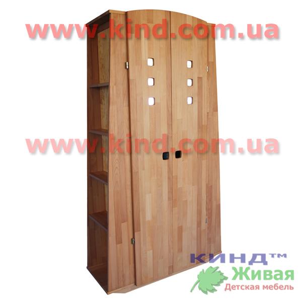 Детский шкаф из дерева с полочками